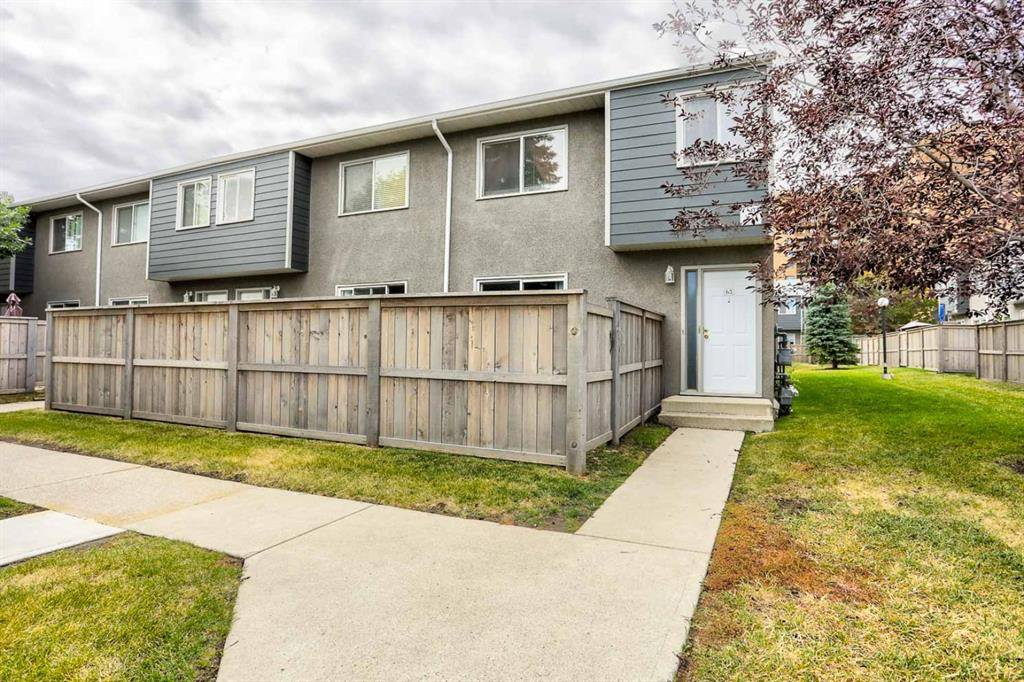 Main Photo: 63 219 90 Avenue SE in Calgary: Acadia Row/Townhouse for sale : MLS®# A1032185