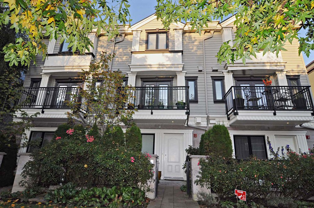 """Main Photo: 102 1135 BARCLAY Street in Vancouver: West End VW Townhouse for sale in """"BARCLAY ESTATES"""" (Vancouver West)  : MLS®# V917535"""
