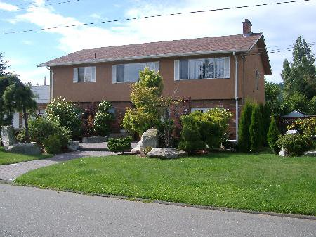 Main Photo: 1634 Dougall Ave in Victoria: Residential for sale : MLS®# 283988