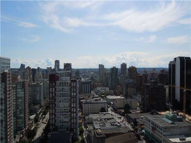 """Photo 12: Photos: 2508 833 SEYMOUR Street in Vancouver: Downtown VW Condo for sale in """"Capitol Residences"""" (Vancouver West)  : MLS®# V1065767"""