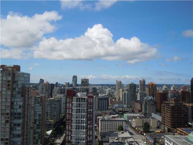 """Photo 11: Photos: 2508 833 SEYMOUR Street in Vancouver: Downtown VW Condo for sale in """"Capitol Residences"""" (Vancouver West)  : MLS®# V1065767"""