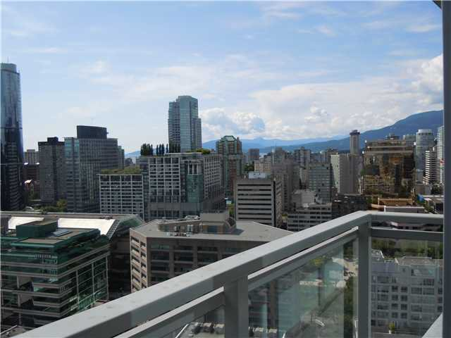 """Photo 8: Photos: 2508 833 SEYMOUR Street in Vancouver: Downtown VW Condo for sale in """"Capitol Residences"""" (Vancouver West)  : MLS®# V1065767"""