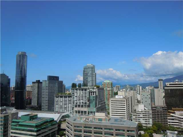 """Photo 10: Photos: 2508 833 SEYMOUR Street in Vancouver: Downtown VW Condo for sale in """"Capitol Residences"""" (Vancouver West)  : MLS®# V1065767"""