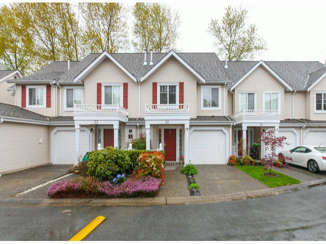 """Main Photo: 32 13499 92ND Avenue in Surrey: Queen Mary Park Surrey Townhouse for sale in """"Chatham Lane"""" : MLS®# F1414205"""