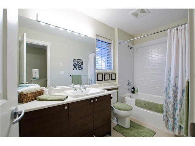 """Photo 13: Photos: 54 19478 65TH Avenue in Surrey: Clayton Condo for sale in """"SUNSET GROVE"""" (Cloverdale)  : MLS®# F1431169"""