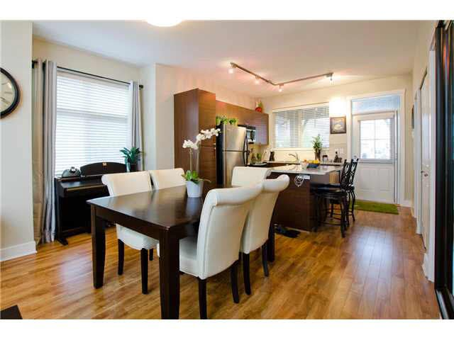 """Photo 3: Photos: 54 19478 65TH Avenue in Surrey: Clayton Condo for sale in """"SUNSET GROVE"""" (Cloverdale)  : MLS®# F1431169"""