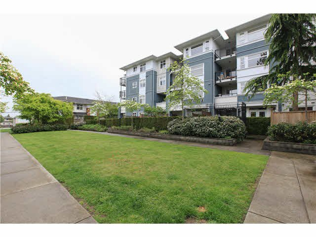 "Photo 13: Photos: 208 6508 DENBIGH Avenue in Burnaby: Forest Glen BS Condo for sale in ""OAKWOOD"" (Burnaby South)  : MLS®# V1119333"
