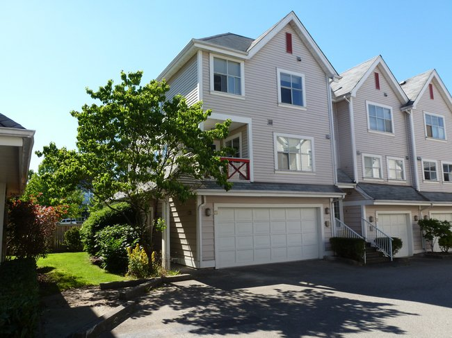 Main Photo: 23 2450 Hawthorne Ave in Port Coquitlam: Home for sale : MLS®# v1015650