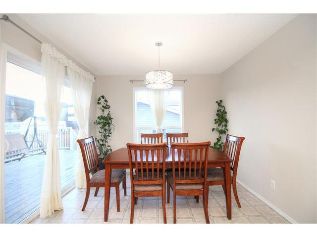 Photo 18: Photos: 606 EVERMEADOW Road SW in Calgary: Evergreen House for sale : MLS®# C4053479