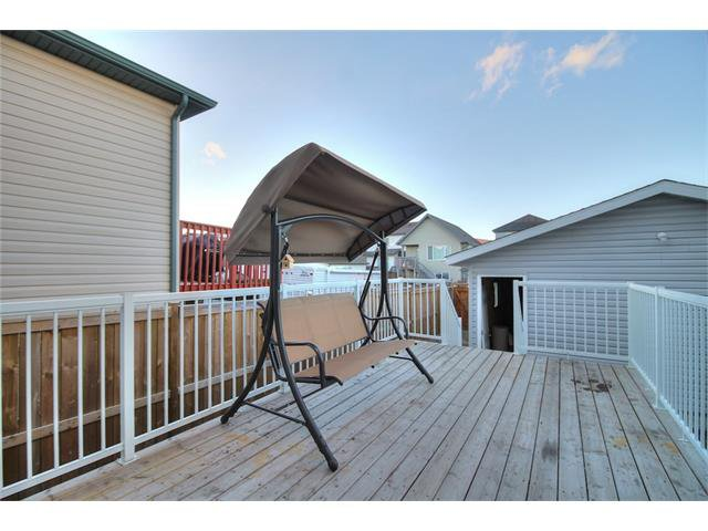 Photo 32: Photos: 606 EVERMEADOW Road SW in Calgary: Evergreen House for sale : MLS®# C4053479