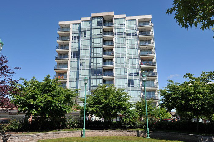 "Main Photo: 305 12069 HARRIS Road in Pitt Meadows: Central Meadows Condo for sale in ""SOLARIS"" : MLS®# R2067746"