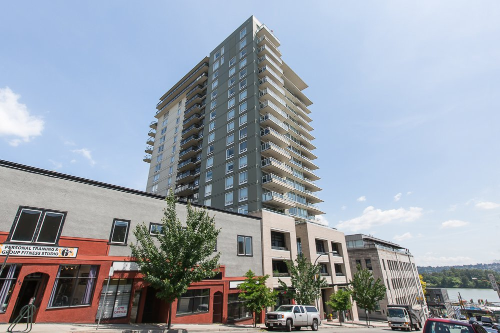 """Main Photo: 1806 39 SIXTH Street in New Westminster: Downtown NW Condo for sale in """"QUANTUM"""" : MLS®# R2074909"""