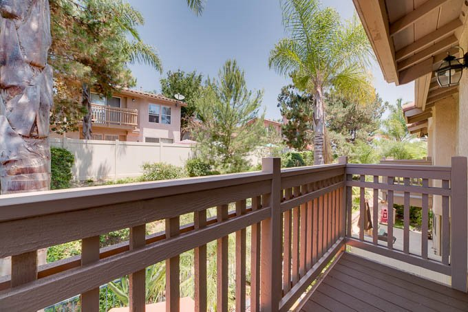 Photo 14: Photos: AVIARA Townhome for sale : 3 bedrooms : 1662 Harrier Ct in Carlsbad