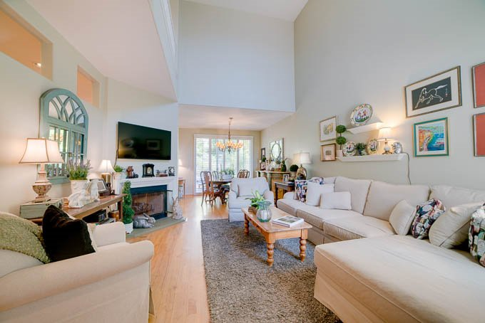 Photo 3: Photos: AVIARA Townhome for sale : 3 bedrooms : 1662 Harrier Ct in Carlsbad