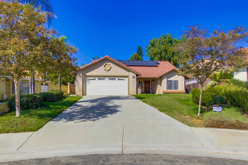 Main Photo: NORTH ESCONDIDO House for sale : 3 bedrooms : 1749 El Aire in Escondido