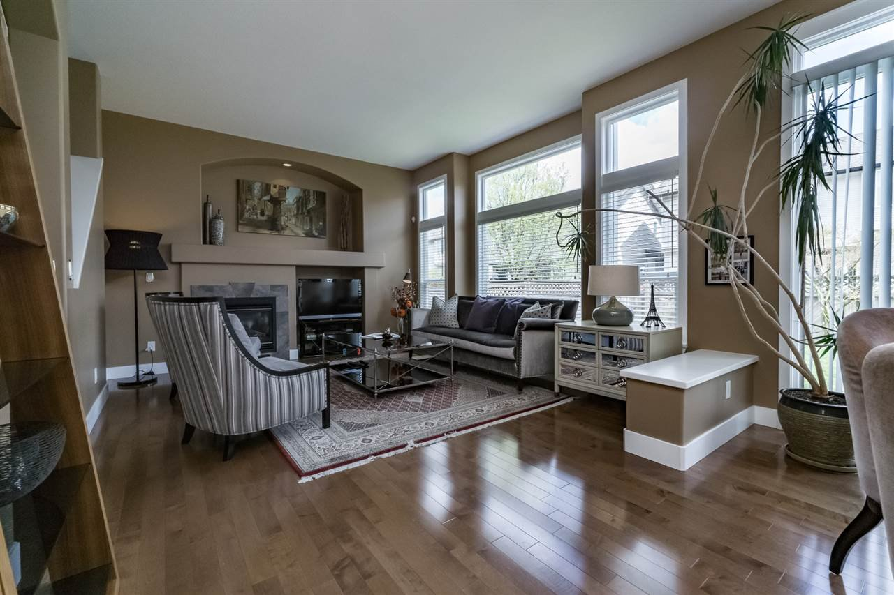 Photo 11: Photos: 7340 200A Street in Langley: Willoughby Heights House for sale : MLS®# R2156658