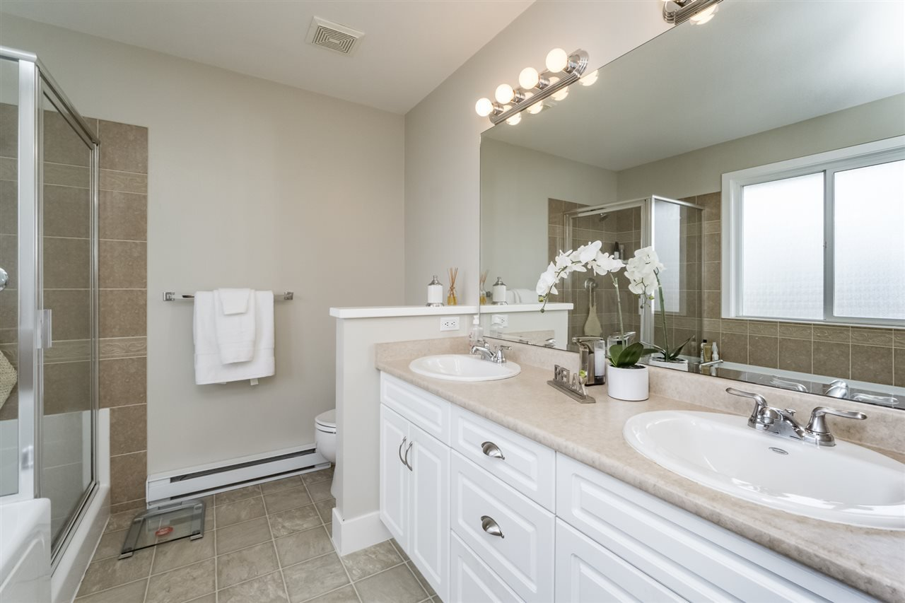 Photo 14: Photos: 7340 200A Street in Langley: Willoughby Heights House for sale : MLS®# R2156658