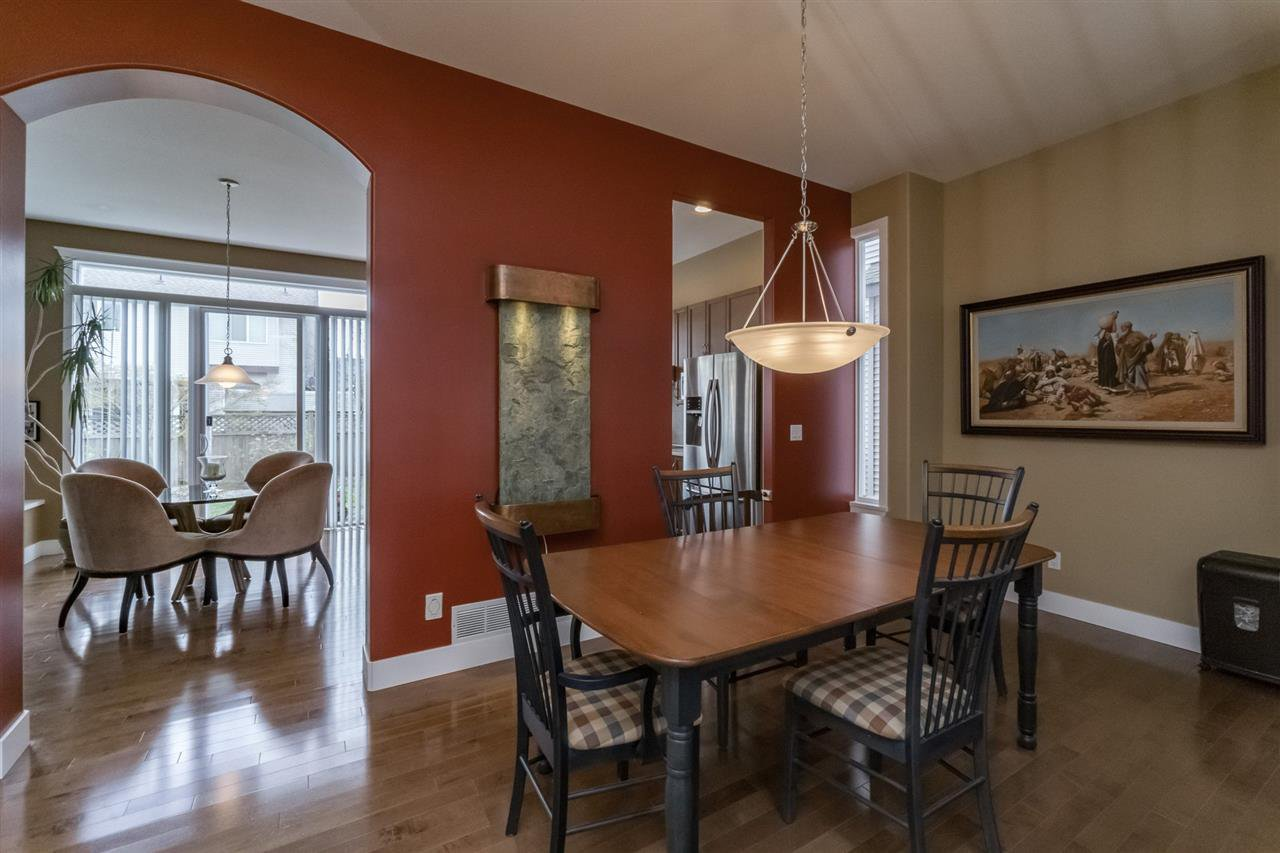 Photo 6: Photos: 7340 200A Street in Langley: Willoughby Heights House for sale : MLS®# R2156658