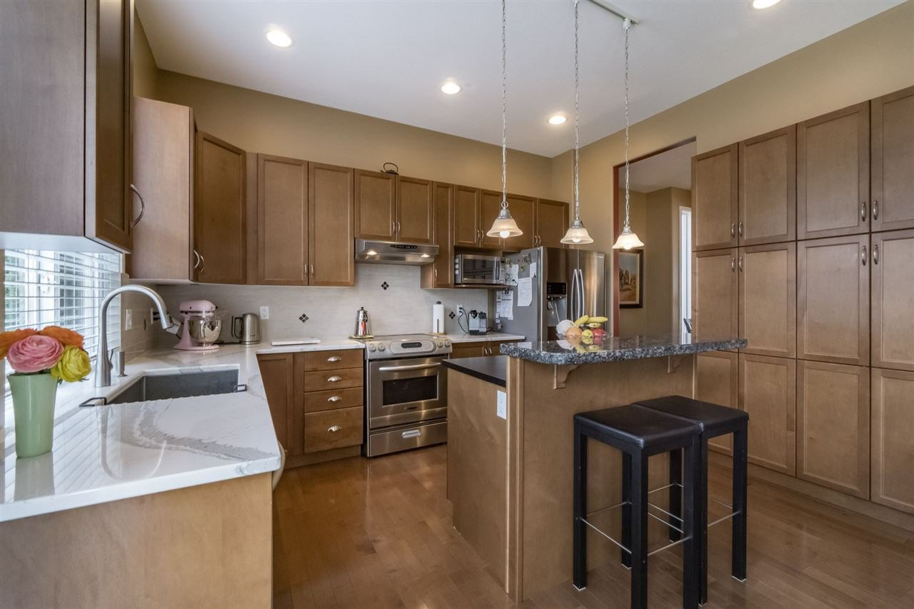 Photo 7: Photos: 7340 200A Street in Langley: Willoughby Heights House for sale : MLS®# R2156658