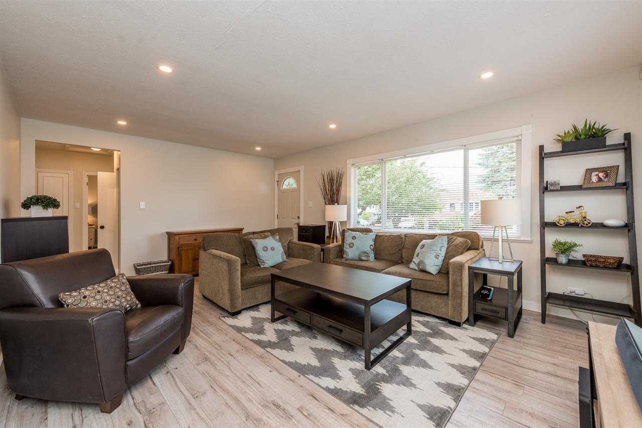 Photo 4: Photos: 1165 KENT Street: White Rock House for sale (South Surrey White Rock)  : MLS®# R2175464