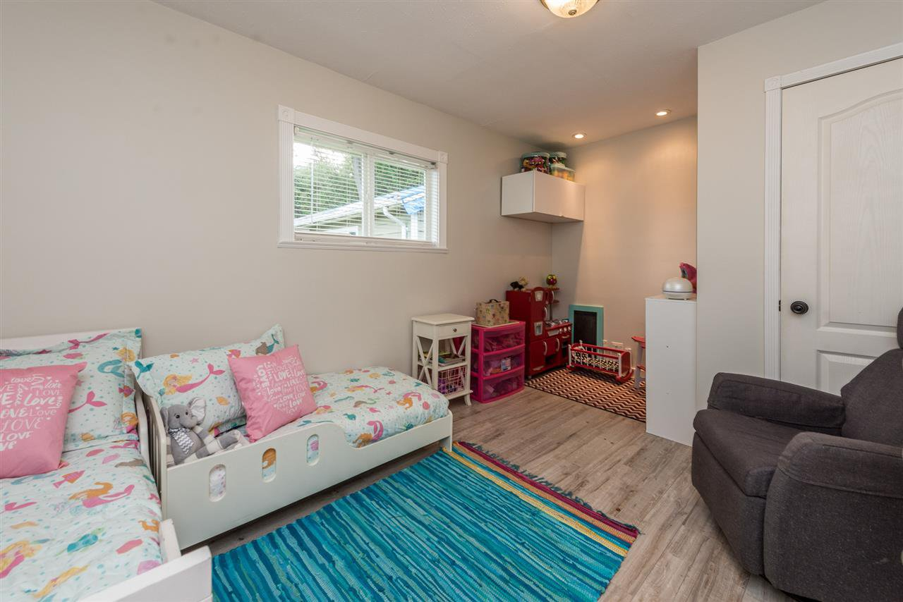 Photo 8: Photos: 1165 KENT Street: White Rock House for sale (South Surrey White Rock)  : MLS®# R2175464