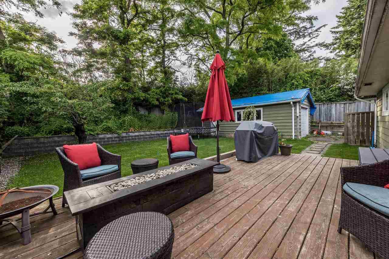 Photo 11: Photos: 1165 KENT Street: White Rock House for sale (South Surrey White Rock)  : MLS®# R2175464