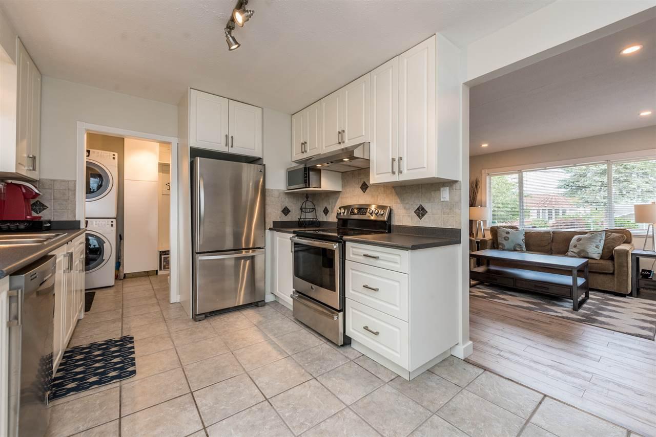 Photo 5: Photos: 1165 KENT Street: White Rock House for sale (South Surrey White Rock)  : MLS®# R2175464