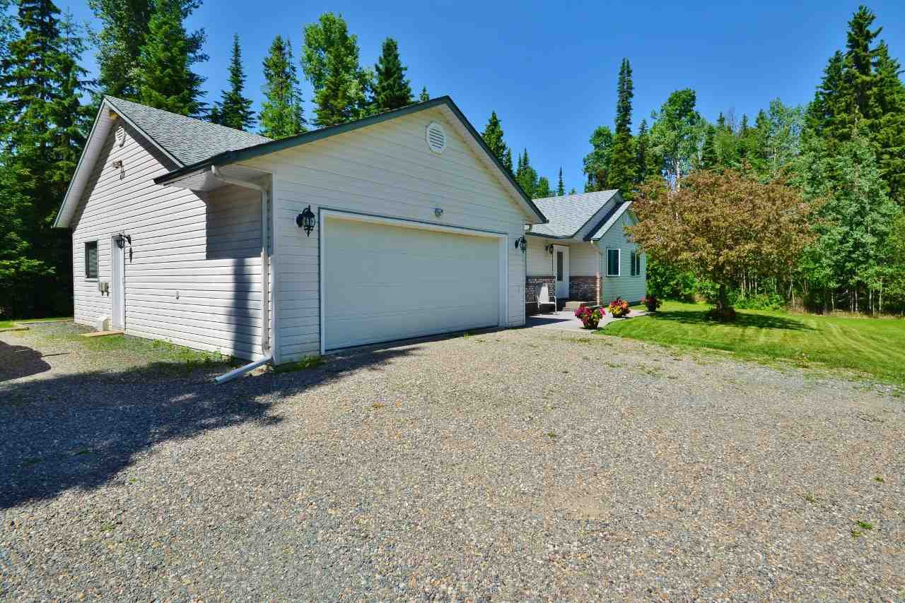 "Main Photo: 9790 RIDGETOP Drive in Prince George: Tabor Lake House for sale in ""TABOR LAKE"" (PG Rural East (Zone 80))  : MLS®# R2176358"