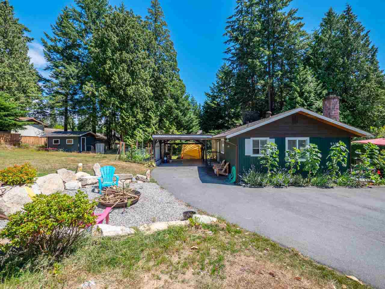 Main Photo: 8119 ALDERWOOD Road in Halfmoon Bay: Halfmn Bay Secret Cv Redroofs House for sale (Sunshine Coast)  : MLS®# R2285594