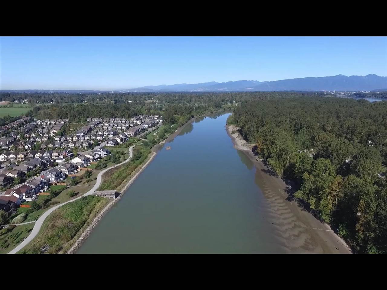"Photo 18: Photos: 419 23215 BILLY BROWN Road in Langley: Fort Langley Condo for sale in ""WATERFRONT AT BEDFORD LANDING"" : MLS®# R2295120"