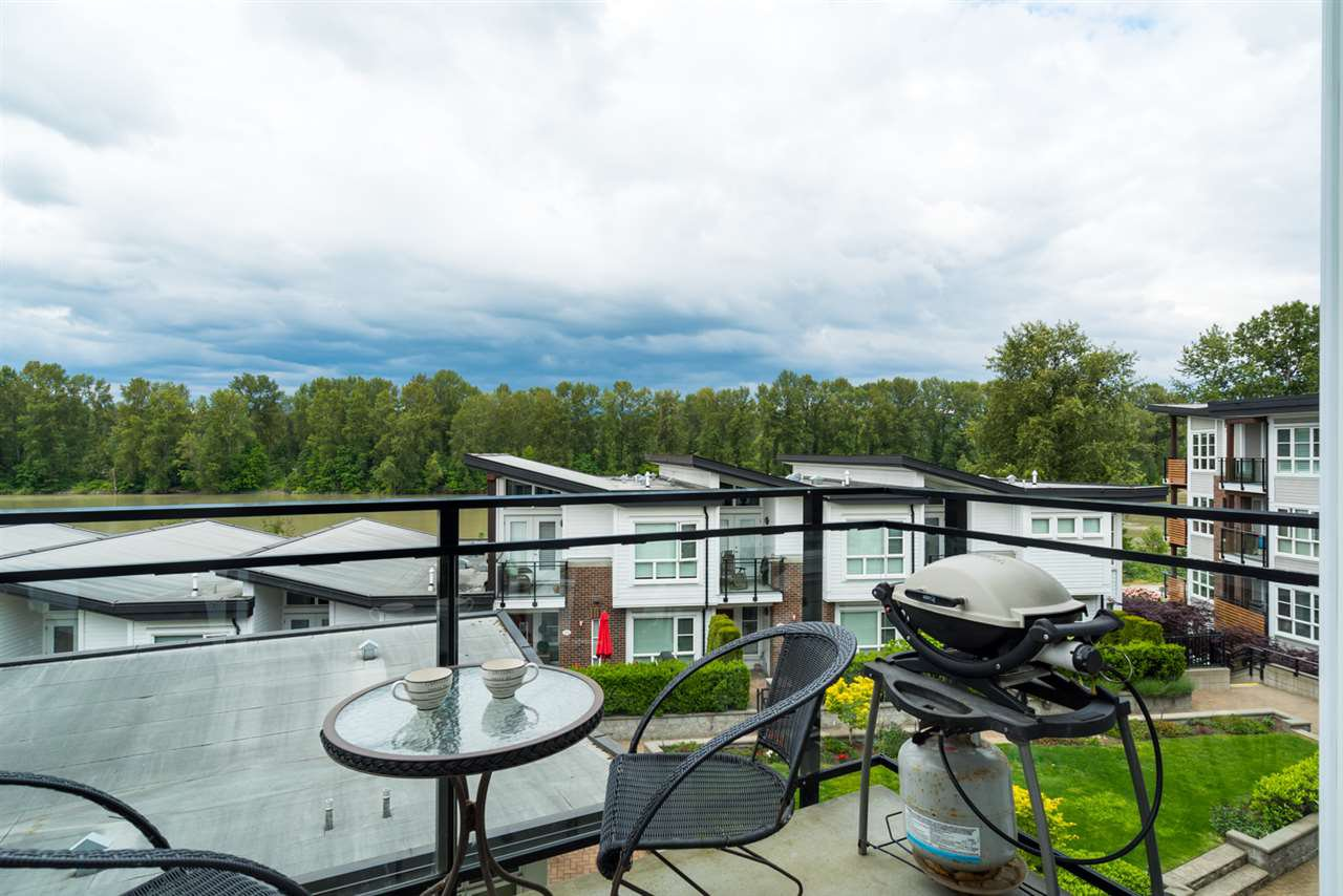 "Photo 3: Photos: 419 23215 BILLY BROWN Road in Langley: Fort Langley Condo for sale in ""WATERFRONT AT BEDFORD LANDING"" : MLS®# R2295120"
