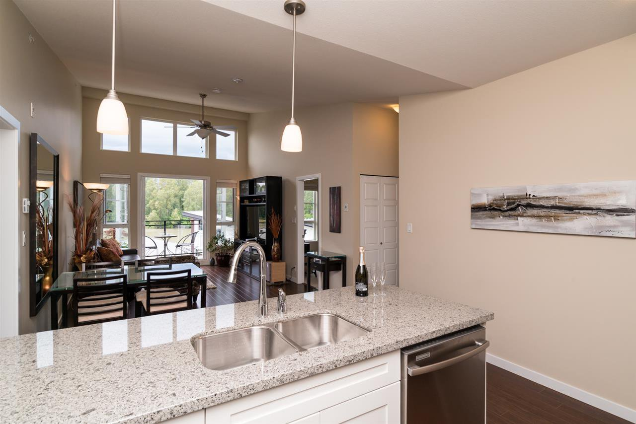 "Photo 11: Photos: 419 23215 BILLY BROWN Road in Langley: Fort Langley Condo for sale in ""WATERFRONT AT BEDFORD LANDING"" : MLS®# R2295120"