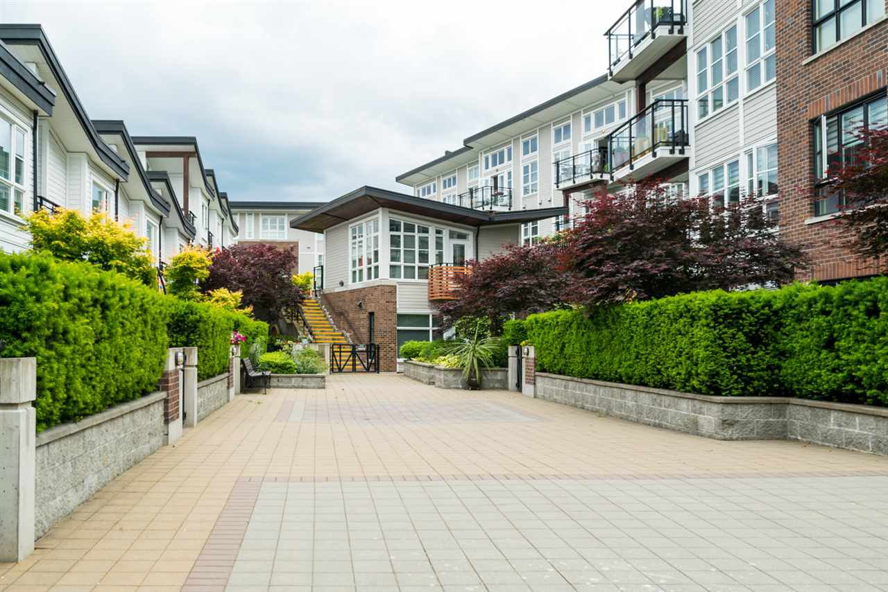 "Photo 16: Photos: 419 23215 BILLY BROWN Road in Langley: Fort Langley Condo for sale in ""WATERFRONT AT BEDFORD LANDING"" : MLS®# R2295120"