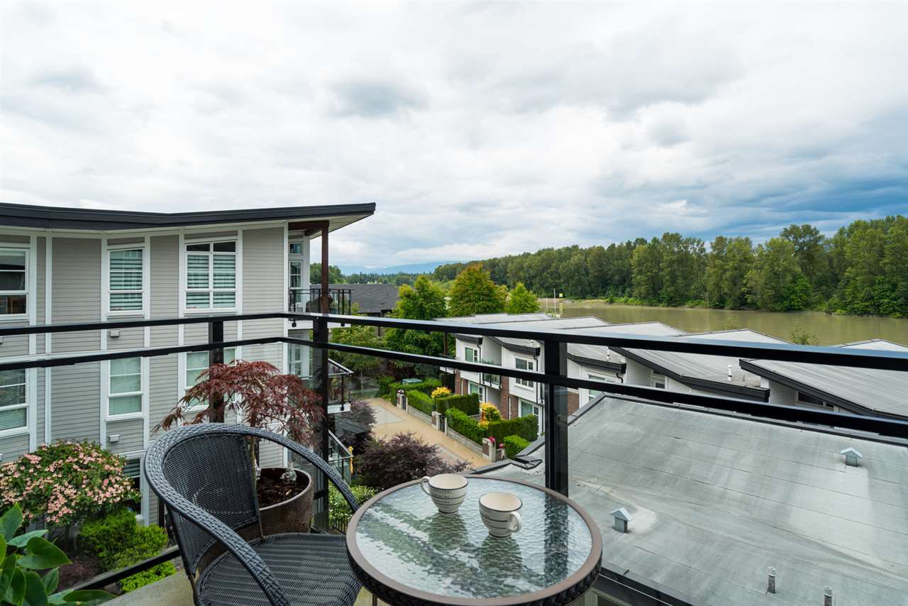 "Photo 2: Photos: 419 23215 BILLY BROWN Road in Langley: Fort Langley Condo for sale in ""WATERFRONT AT BEDFORD LANDING"" : MLS®# R2295120"