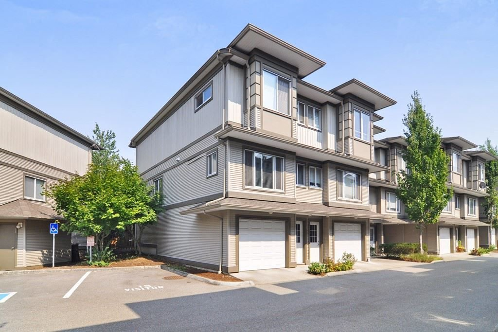 "Main Photo: 35 18701 66 Avenue in Surrey: Cloverdale BC Townhouse for sale in ""Encore at Hillcrest"" (Cloverdale)  : MLS®# R2299597"