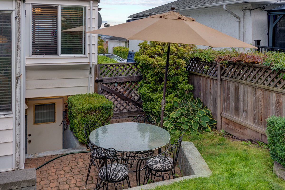"Photo 40: Photos: 933 LAUREL Street in New Westminster: The Heights NW House for sale in ""The Heights"" : MLS®# R2308868"