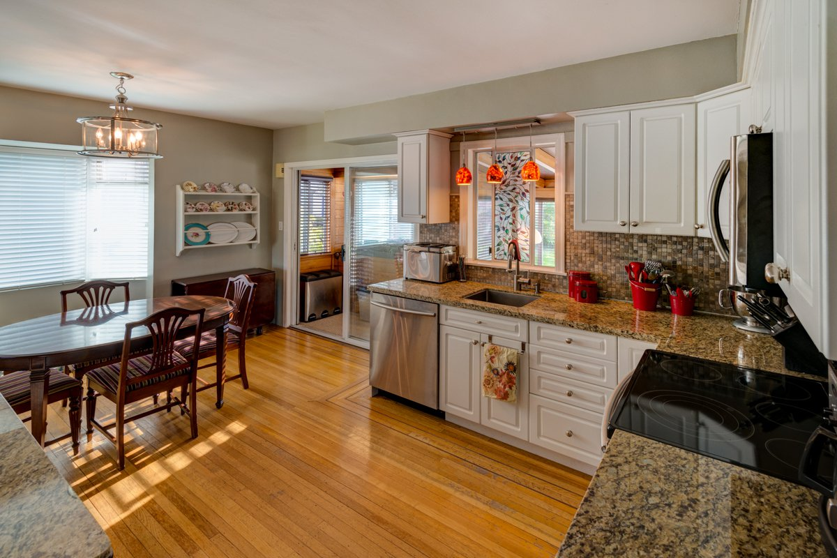 "Photo 9: Photos: 933 LAUREL Street in New Westminster: The Heights NW House for sale in ""The Heights"" : MLS®# R2308868"
