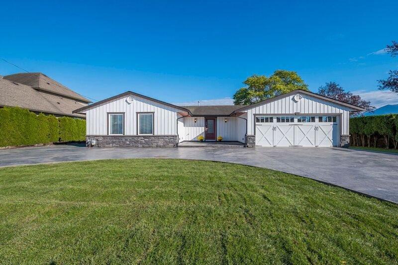 Main Photo: 7162 LICKMAN Road in Sardis - Greendale: Greendale Chilliwack House for sale (Sardis)  : MLS®# R2314276