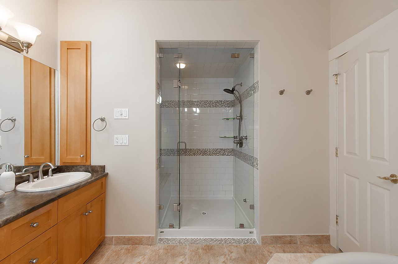 Photo 15: Photos: 2236 W 15TH Avenue in Vancouver: Kitsilano 1/2 Duplex for sale (Vancouver West)  : MLS®# R2319480