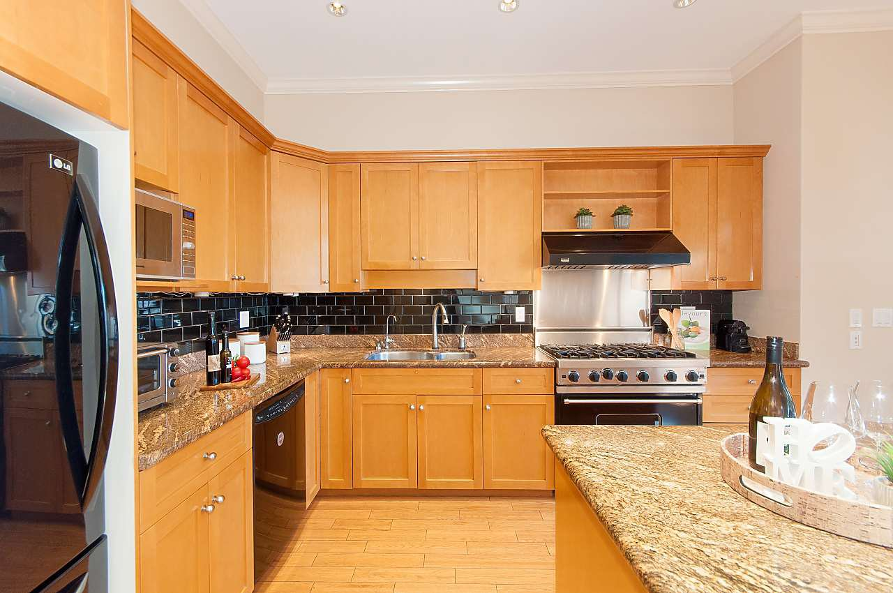 Photo 6: Photos: 2236 W 15TH Avenue in Vancouver: Kitsilano House 1/2 Duplex for sale (Vancouver West)  : MLS®# R2319480