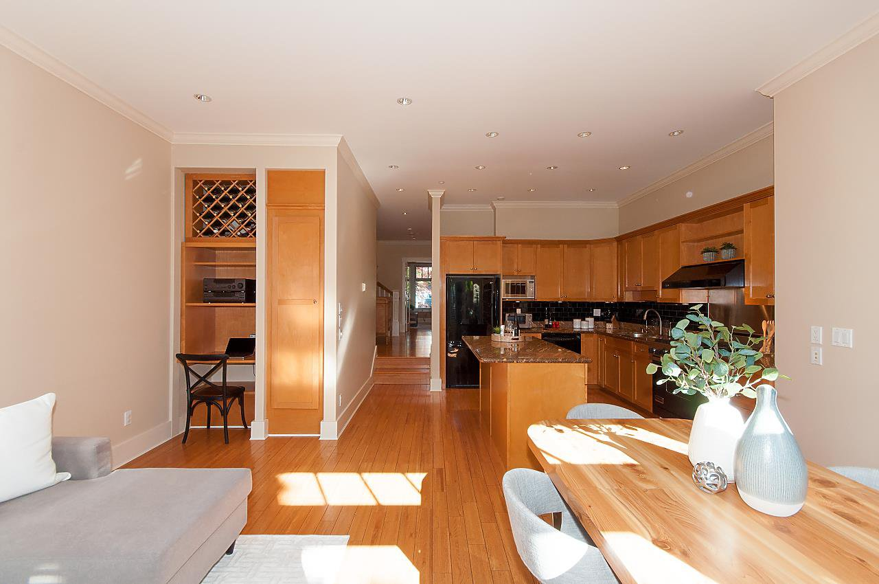 Photo 4: Photos: 2236 W 15TH Avenue in Vancouver: Kitsilano House 1/2 Duplex for sale (Vancouver West)  : MLS®# R2319480
