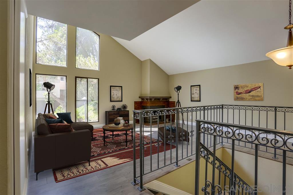 Main Photo: MISSION VALLEY Townhome for sale : 4 bedrooms : 4366 Caminito Pintoresco in San Diego