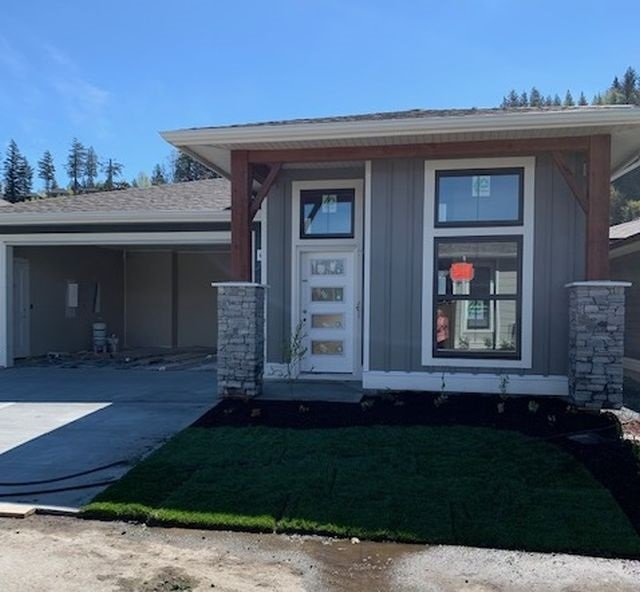 """Main Photo: 57 46110 THOMAS Road in Sardis: Vedder S Watson-Promontory House for sale in """"THOMAS CROSSING"""" : MLS®# R2360534"""