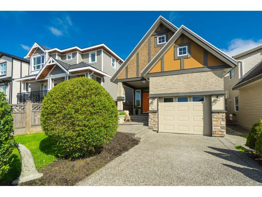 "Main Photo: 15573 GOGGS Avenue: White Rock House for sale in ""WHITE ROCK"" (South Surrey White Rock)  : MLS®# R2383956"