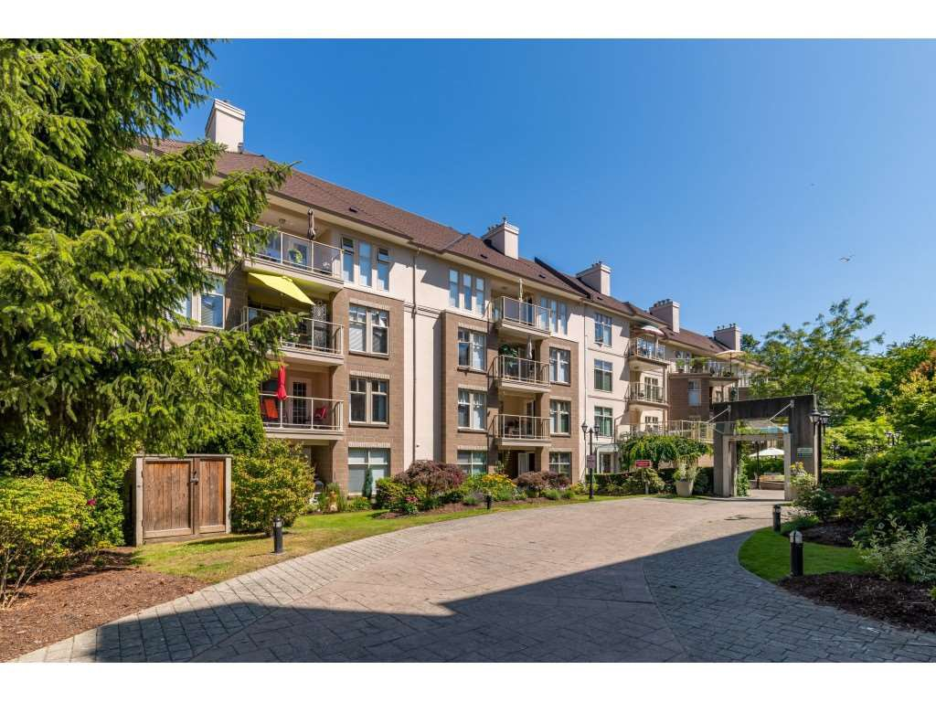 "Main Photo: 414 15350 19A Avenue in Surrey: King George Corridor Condo for sale in ""Stratford Gardens"" (South Surrey White Rock)  : MLS®# R2392580"