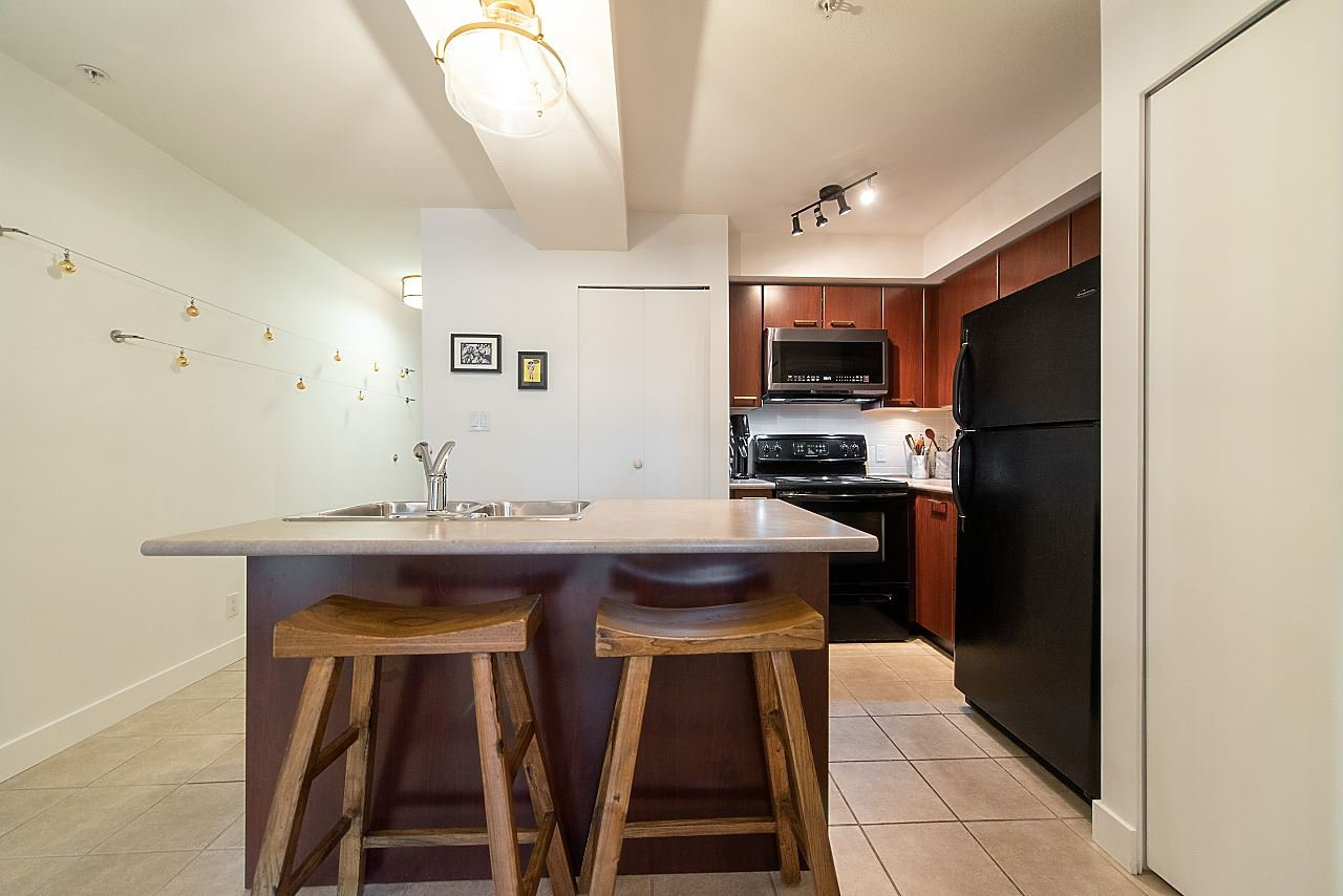 "Photo 11: Photos: 303 2525 BLENHEIM Street in Vancouver: Kitsilano Condo for sale in ""THE MACK"" (Vancouver West)  : MLS®# R2424251"