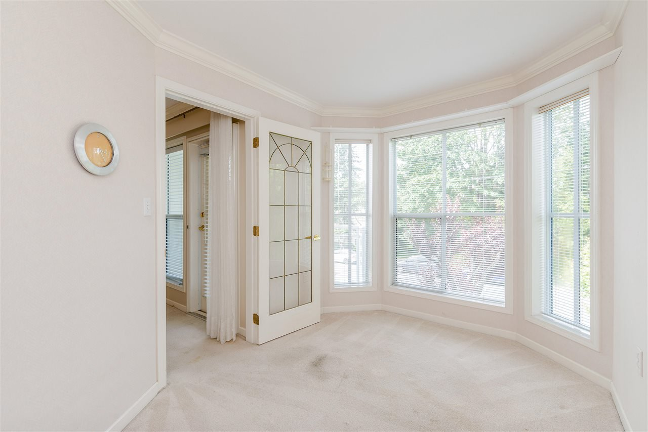 """Photo 28: Photos: 202 15290 18 Avenue in Surrey: King George Corridor Condo for sale in """"STRATFORD BY THE PARK"""" (South Surrey White Rock)  : MLS®# R2460896"""