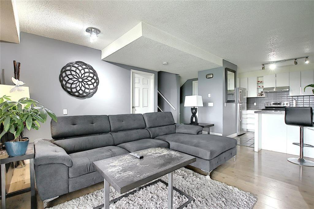 Main Photo: 32 3800 FONDA Way SE in Calgary: Forest Heights Row/Townhouse for sale : MLS®# C4297914