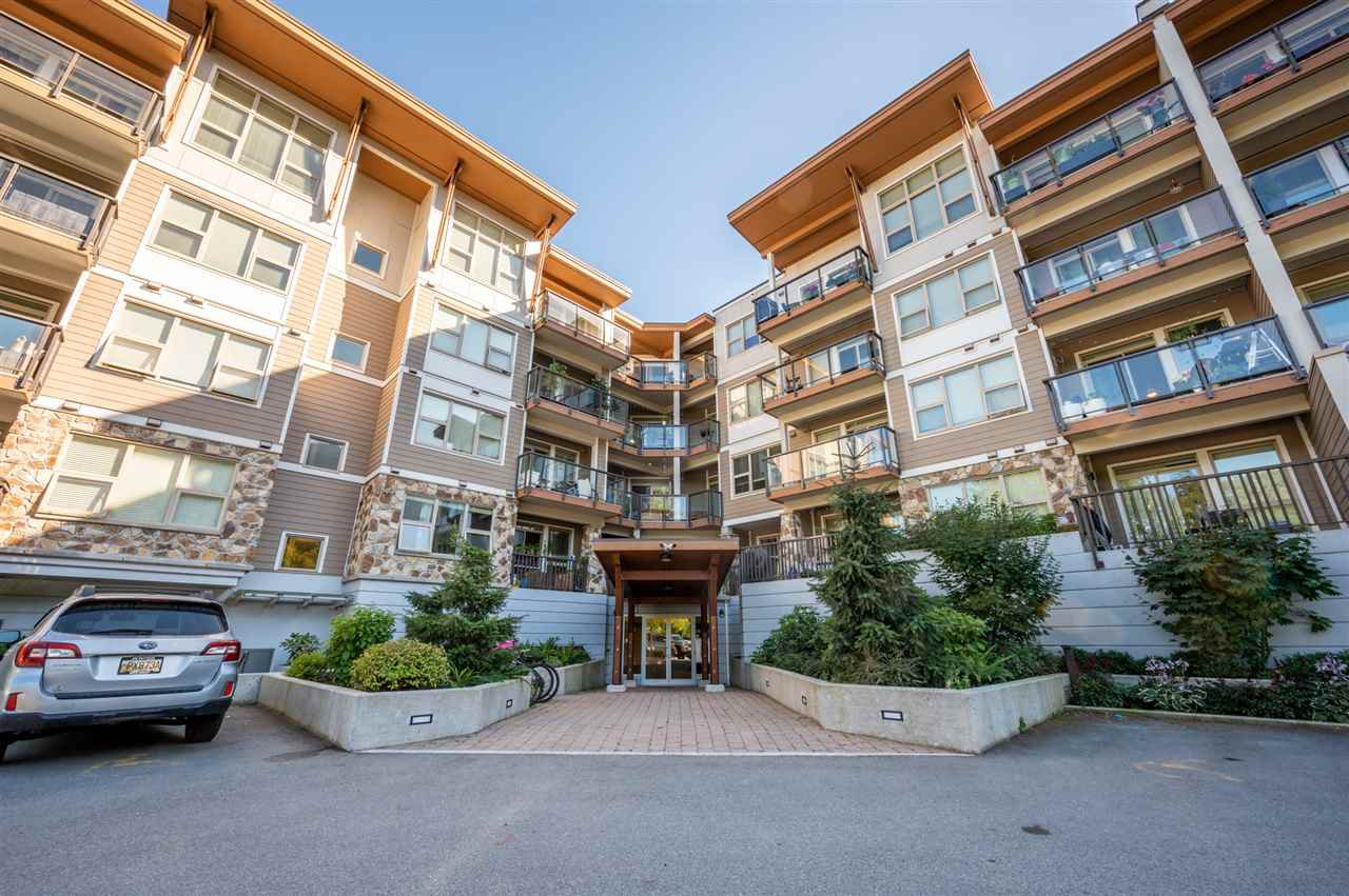 "Main Photo: 210 1150 BAILEY Street in Squamish: Downtown SQ Condo for sale in ""The Parkhouse"" : MLS®# R2484304"