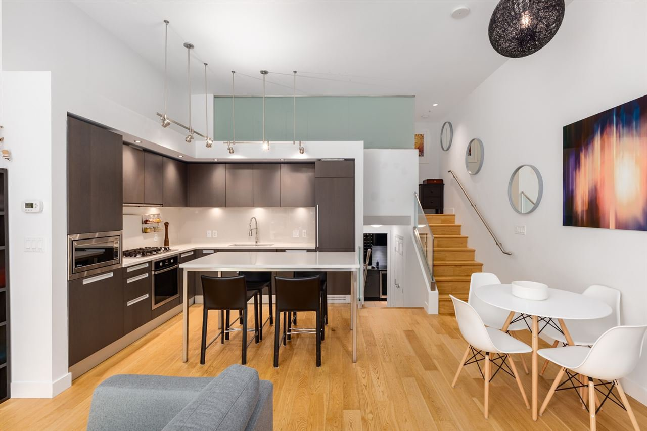 """Main Photo: 1828 CROWE Street in Vancouver: False Creek Townhouse for sale in """"The James"""" (Vancouver West)  : MLS®# R2527498"""